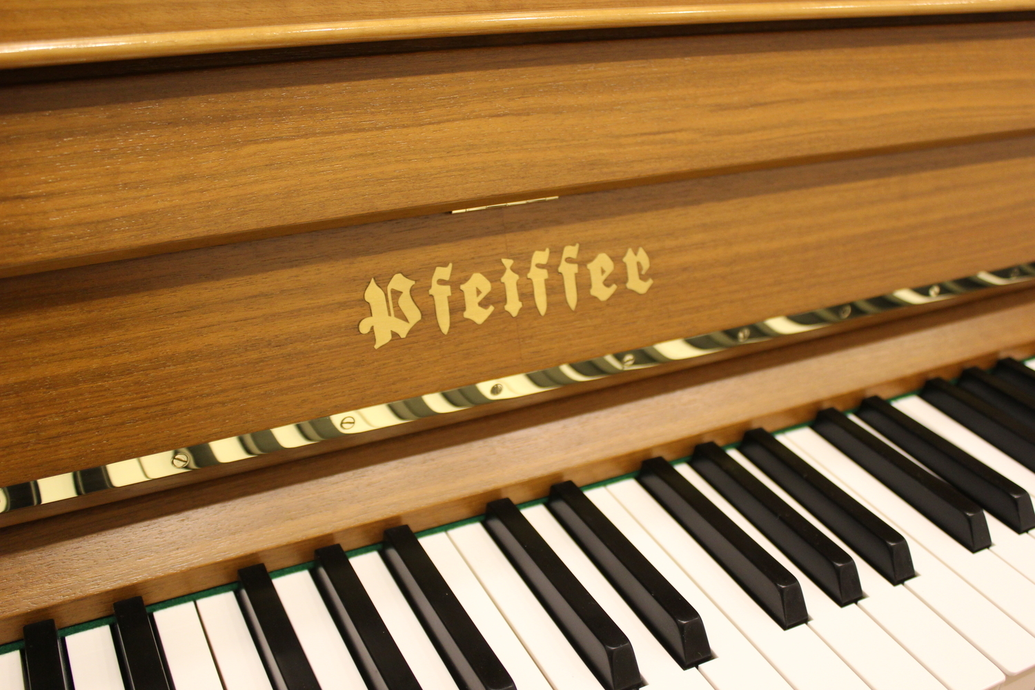 Pfeiffer , Mod. 116 T Tradition Klavier